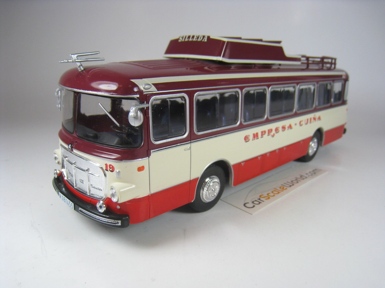 1:43 Altaya Bus Collection AEC Regent III RT London Country 1947