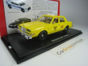 DODGE DIPLOMAT YELLOW CAB TAXI NEW YORK 1/43 FIRST